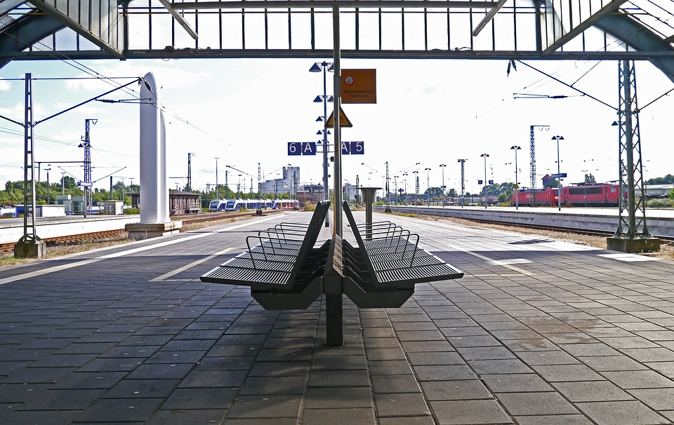 platform-3136729_960_720