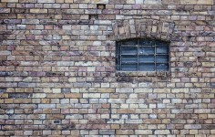 window-484596_640